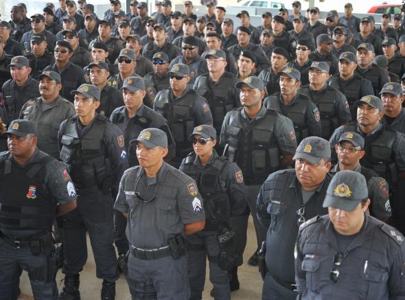 Solidariedade: Policiais e Bombeiros militares recebem donativos de campanha realizada em Alagoas